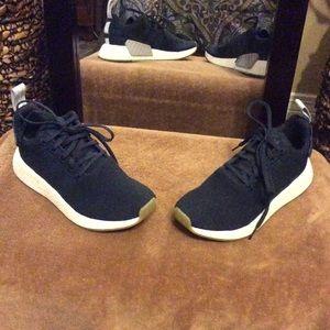 Adidas NMD R2 tennis shoes!!!